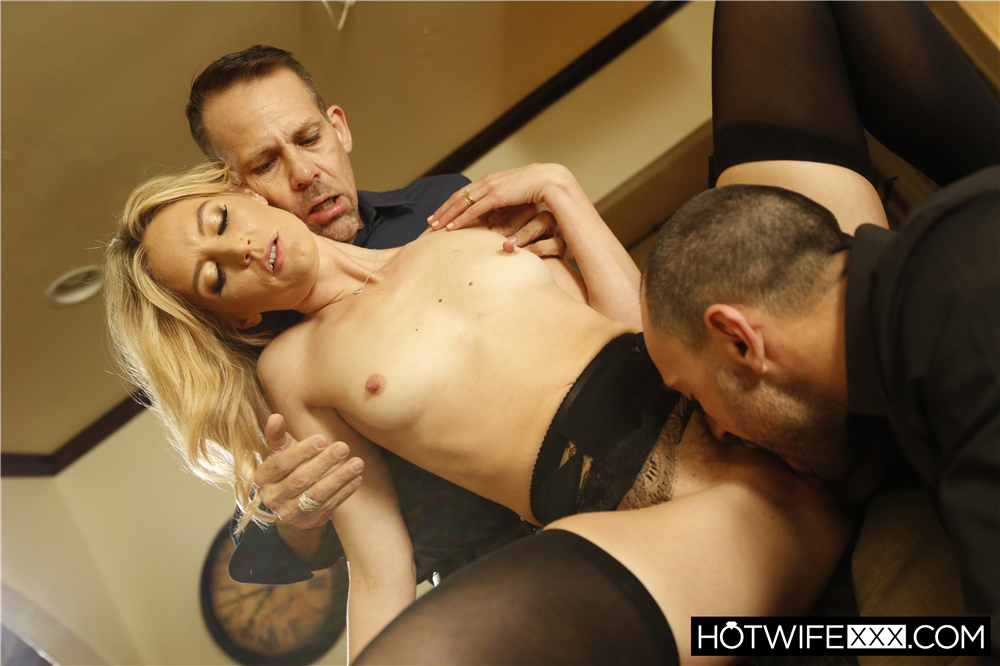 Mona Gets To Play A Game - Mona Wales, Stirling Cooper | HotWifeXXX